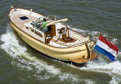 Cruiser Boat, Cabin Cruiser, Trawler Yacht, Sailboat Cruises, Offshore Boats, Electric Boat, Classic Yachts, Yacht Interior, Boat Stuff