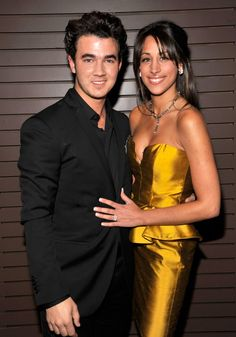 Jonas, Danielle was a hairdresser from New Jersey. The two first met while on vacation with their families in the Bahamas in 2007 and Jonas Brothers, Danielle Jonas, Nick Jonas, My Childhood Memories, Celebs, Celebrities, Celebrity Couples, Favorite Person, Music Lovers