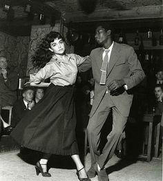 Be-Bop in Club du Vieux Colombier, Saint-Germain-des-Près, 1951 (Robert Doisneau)
