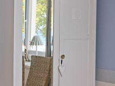 Schlafraum mit Seeblick, 3-Raum-Ferienappartement in der Bädervilla Villa, Vintage Stil, Bad, Shabby Chic, Vintage Fashion, Mirror, Furniture, Home Decor, Style