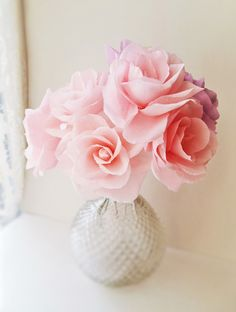 Romantic crepe paper roses − handmade by Ameli's Lovely Creations