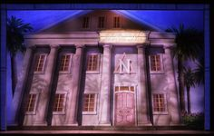 Legally Blonde. Scenic design by David Rockwell.