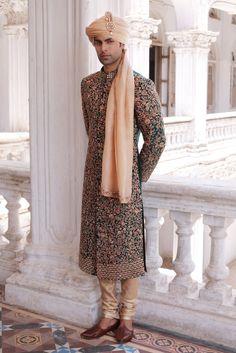 pakistani groom outfits for men ; pakistani groom outfits sherwani for men Sherwani For Men Wedding, Wedding Dresses Men Indian, Sherwani Groom, Wedding Dress Men, Desi Wedding, Wedding Suits, Punjabi Wedding, Wedding Ideas, Outfits