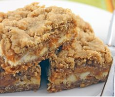 White chocolate chip butterscotch oatmeal bars