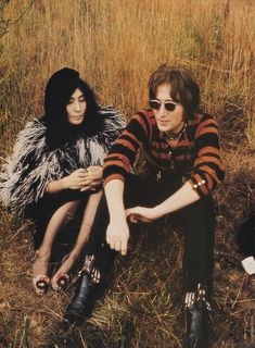 Yoko Ono-Lennon and John Lennon. Yoko is pretty amazing. John Lennon Yoko Ono, John Lennon And Yoko, Jhon Lennon, Les Beatles, Joko, The Fab Four, Rockn Roll, Ringo Starr, Eric Clapton