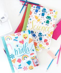 If you want a fun way to decorate your composition notebooks for school, then you'll love these Groovy Notebook Cover Printables. All you'll need to make these trendy covers is paper, glue, and scissors for some super cute composition books. Diy Notebook Cover For School, School Book Covers, Composition Notebook Covers, Notebook Cover Design, Composition Books, Diy Crafts For School, Diy School, School Notes, School Stuff