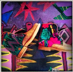 Bright pair of our custom Guate Boots! #Teysha