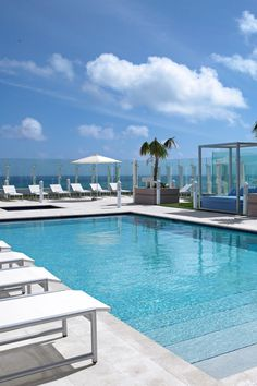 The adults-only rooftop swimming pool also has two Jacuzzi tubs. #Jetsetter Grand Beach Hotel Surfside (Miami, Florida)