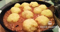 Rezept für Schlesische Kartoffelknödel mit Fleischfüllung. Hierfür werden rohe und gekochte Kartoffeln verwendet. Nach polnischer Art. Special Recipes, Dutch Oven, Sweet And Salty, International Recipes, Pretzel Bites, Diy Food, Cornbread, Nom Nom, Brunch