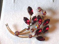 Vintage GOLD TONE RED PINK RHINESTONE SPRAY Brooch Pin-Costume Jewelry-Estate