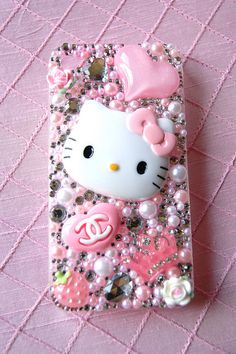 Hello kitty phone case o wish I had a iPhone!