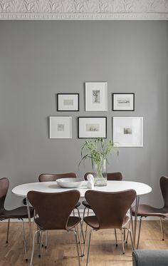 Beautiful and cozy home in grey - via Coco Lapine Design blog   @juliaalena