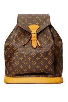 Louis Vuitton Monogram Backpack Love this vintage bag. Louis Vuitton Handbags, Purses And Handbags, Louis Vuitton Monogram, Ysl, Monogram Backpack, Leather Backpack, Drawstring Backpack, Leather Bag, Swagg
