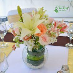 Centro de mesa #Flores  #Bodas Quinta Pavo Real del Rincón www.pavorealdelrincon.com.mx