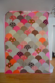 hugsarereallyfun:  Glam Clam front by uppitygirl on Flickr. I need to make a quilt. For realz