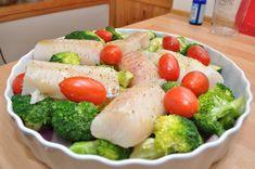 Ovnsbakt torsk a la Hellstrøm – food is my religion! Cod Recipes, Low Carb Recipes, Healthy Recipes, Healthy Food, Norwegian Food, Fish Dinner, Recipe Boards, Food Goals, Fish And Seafood