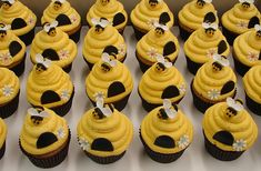 bumble bee cakes/cupcakes - Google Search
