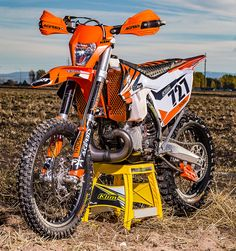 Making My Ultimate Story and Photos by Stephen Clark Anyone who knows me knows that I am huge fan of and especially the KTM This is my third 300 and I plan to keep buying them as … Continued Ktm Dirt Bikes, Ktm Motorcycles, Mx Bikes, Ktm 300, Enduro Motocross, Enduro Motorcycle, Motocross Maschinen, Dirt Scooter, Best Atv