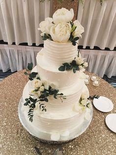 Wedding Cake Flowers :: The Vines Flower & Garden Shop