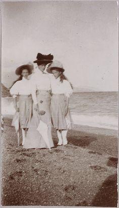 Empress Alexandra and Grand Duchesses Tatiana and Olga