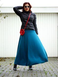 Tany et La Mode: Petrol blue with a hint of red (self-made skirt) – Azul-petróleo com um toque de vermelho (saia feita por mim), personal style, self-made style, daily looks, estilo pessoal, moda feita em casa, look do dia