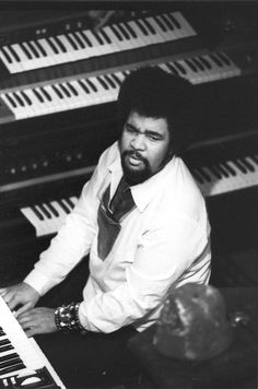 George Duke (January 1946 – August was an American musician, known as a keyboard pioneer, composer, singer and producer in both jazz and popular mainstream musical genres. He worked with. Jazz Artists, Jazz Musicians, Music Artists, Soul Music, Music Is Life, Francis Wolff, George Duke, Gil Scott Heron, Rock & Pop