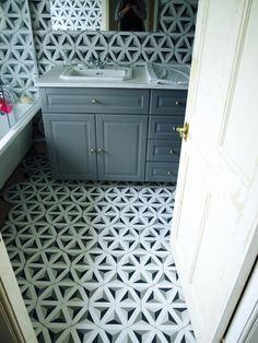 How we tiled the bathroom with hexagon tiles