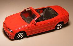 Bmw M3 Cabrio 1:64 Majorette These are for sale by https://www.speelgoedenverzamelshop.nl/modelautos_en_auto_curiosa/automerk/bmw/bmw_m3_cabrio_1:64_majorette_(au155).html