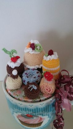 Cake, Desserts, Handmade, Food, Pie Cake, Hand Made, Meal, Cakes, Deserts