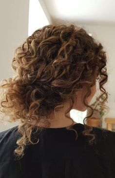 45 Charming Bride's Wedding Hairstyles For Naturally Curly Hair - sylvia cantu. 45 Charming Bride's Wedding Hairstyles For Naturally Curly Hair - sylvia cantu. 45 Charming Bride's Wedding Hairstyles For Naturally Curly Hair - sylvia cantu- Low Bun Hairstyles, Bride Hairstyles, Wedding Hairstyles For Curly Hair, Natural Curly Hairstyles, Homecoming Hairstyles, Curly Hair For Prom, Curly Hair Styles Wedding, Hairstyle Ideas, Spring Hairstyles