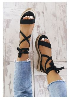 Platform Sandals - It's Easy To Shop For Shoes When You Are Aware How - Platform Sandal Heels For Women Platform Sandal Tan Schuhe Sneakers Mode, Sneakers Fashion, Fashion Shoes, Diy Fashion, Korean Fashion, Winter Fashion, Fashion Tips, Cute Sandals, Shoes Sandals