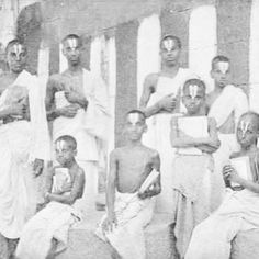 Iyengar Vedic students in Tanjore, The National Geographic Magazine, Nov 1909