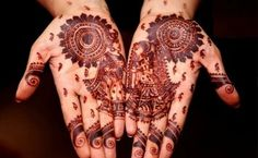 Marwari mehndi designs evolved to reflect the culture of Rajasthan. Their mehndi designs range from simple to breathtakingly beautiful. There is a design Easy Mehndi Designs, Dulhan Mehndi Designs, Latest Mehndi Designs, Bridal Mehndi Designs, Mehandi Designs, Best Arabic Mehndi Designs, Karva Chauth Mehndi Designs, Rajasthani Mehndi Designs, Mehndi Design Images