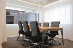 会議室(6名)