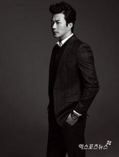 Kwon Sang Woo Black Medium Up Professional