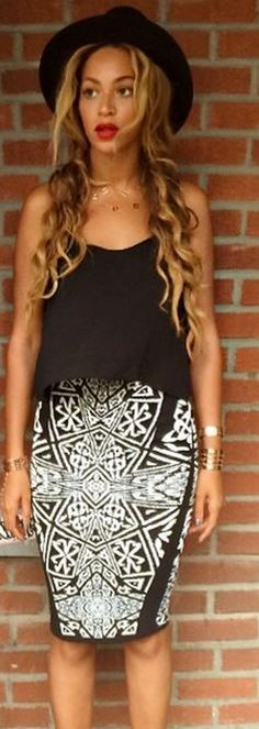 Who made  Beyonce Knowles' black and white print skirt