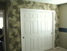 Since I showcased girl rooms yesterday, I thought I would give you some boy room decor ideas today. However, I'm sick and not feeling very well, so unfortunately there won't be very many. :( I think what makes a great boy room is the wall Army Bedroom, Bedroom Wall, Kids Bedroom, Bedroom Ideas, Military Bedroom, Bedroom Designs, Camouflage Bedroom, Camo Rooms, Boy Rooms