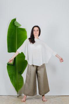 #Maglia #poncho in tessuto leggero di #canapa 100%.Taglia unica vestibilità 40-46 filotimo.it