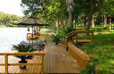 New Braunfels House Rental: Large Riverfront Lake House, Pool, Huge Yard, Home King Beds Lake Dock, Lake Beach, Boat Dock, Lakeside Living, Outdoor Living, Lake Landscaping, Landscaping Ideas, Boxwood Landscaping, Privacy Landscaping