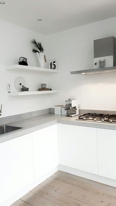 Color Ideas For Kitchen Walls is utterly important for your home. Whether you pick the Kitchen Color Ideas For Walls or Rever Pewter Benjamin Moore, you will make the best Kitchen Shelf Decor Ideas for your own life. Kitchen Shelf Decor, Kitchen Dinning, Ikea Kitchen, Kitchen Furniture, Kitchen Interior, Küchen Design, House Design, Kitchen Rules, Cuisines Design