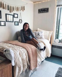 Cool 95 Genius Dorm Room Decorating Ideas on A Budget https://besideroom.co/95-genius-dorm-room-decorating-ideas-budget/