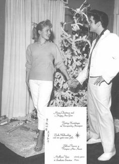 List of all Elvis Presley Christmas Song Duets Elvis Christmas Songs Elvis Christmas at Graceland Las Vegas Show Girls, Elvis Collectors, Graceland Elvis, Vegas Showgirl, Elvis Presley Photos, Chuck Berry, Blonde Beauty, Showgirls, In Hollywood