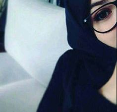 Find images and videos about hijab on We Heart It - the app to get lost in what you love. Arab Girls Hijab, Muslim Girls, Muslim Women, Stylish Hijab, Hijab Chic, Hijabi Girl, Girl Hijab, Niqab Fashion, Muslim Fashion