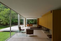 ARCHITECTURA — The Farnsworth House,by Mies van der Rohe, was...