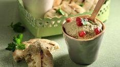 Μελιτζανοσαλάτα με πάπρικα (Baba ghanoush) από τον Άκη Πετρετζίκη. Φτιάξτε καταπληκτική και σπιτική μελιτζανοσαλάτα με πάπρικα και θα ξετρελάνετε τους πάντες!