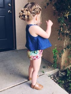 20 Beautiful Easy and Cute Hairstyles for Little Girls - Best Newest Hairstyle Trends Princess Hairstyles, Flower Girl Hairstyles, Little Girl Hairstyles, Toddler Hairstyles, Toddler Hair Dos, Cute Simple Hairstyles, Trendy Hairstyles, Wedding Hairstyles, Sweet Hairstyles