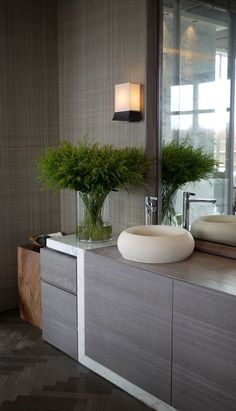 Bathroom: Gray wood and  marbre