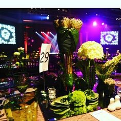 Table setting for a job we loved #tabledecor #tablescape #tablesetting #eventplanner #eventprofs #events #creative #flowerarrangement #flowers #eventdecor #eventdecor #thesquad