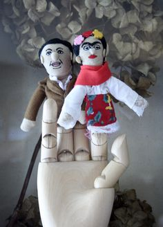 Frida and Diego finger puppets