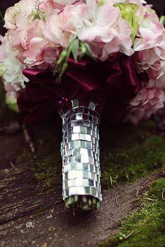 <3 Eternal Reflections awesome bouquet wrap idea!!